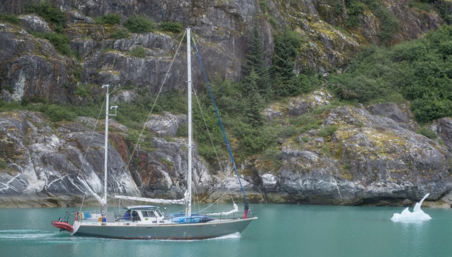 Sailboat Tracy Arm Glacier 2015-15
